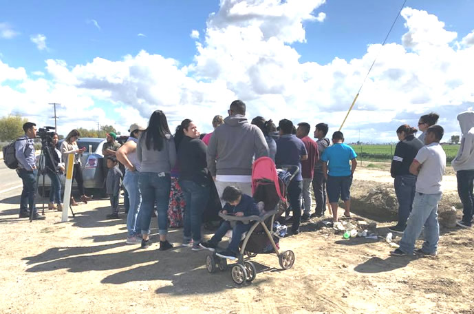 Muere pareja en accidente tratando de huir de agentes de inmigración en en Delano, CA
